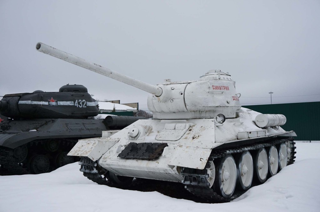 Белый танк, очень необычно